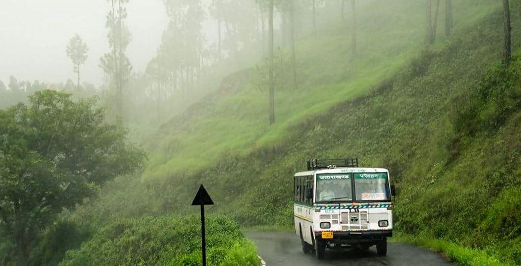 बारिश ने जाम किए उत्तराखंड रोडवेज बसों के पहिए,पहाड़ जाने वालों की बढ़ी परेशानी