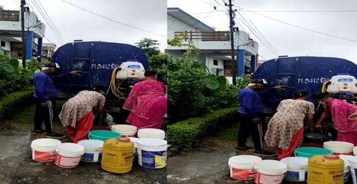 नलकूप हुआ खराब...RTO डिफेंस कॉलोनी की जनता बोली- कब तक टैंकरों से पीये पानी