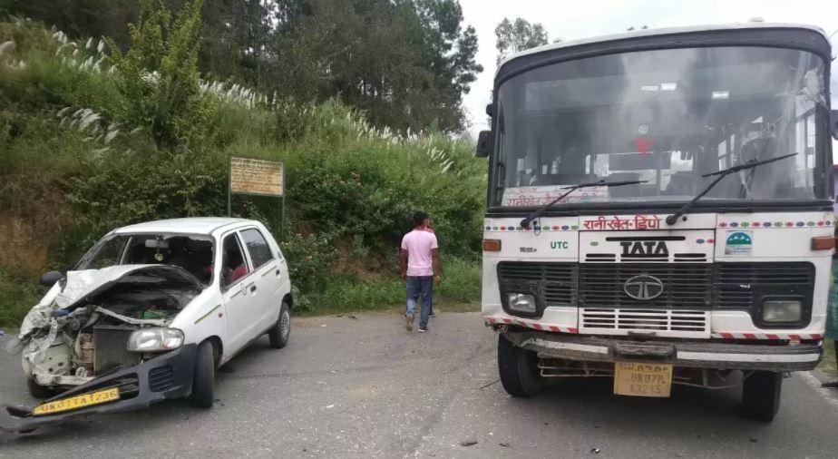 रानीखेत के कापड़ा में उत्तराखंड रोडवेज बस ने ऑल्टो कार को मारी टक्कर, चालक घायल